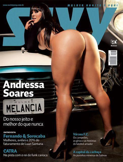 Mulher melancia pelada na revista sexy