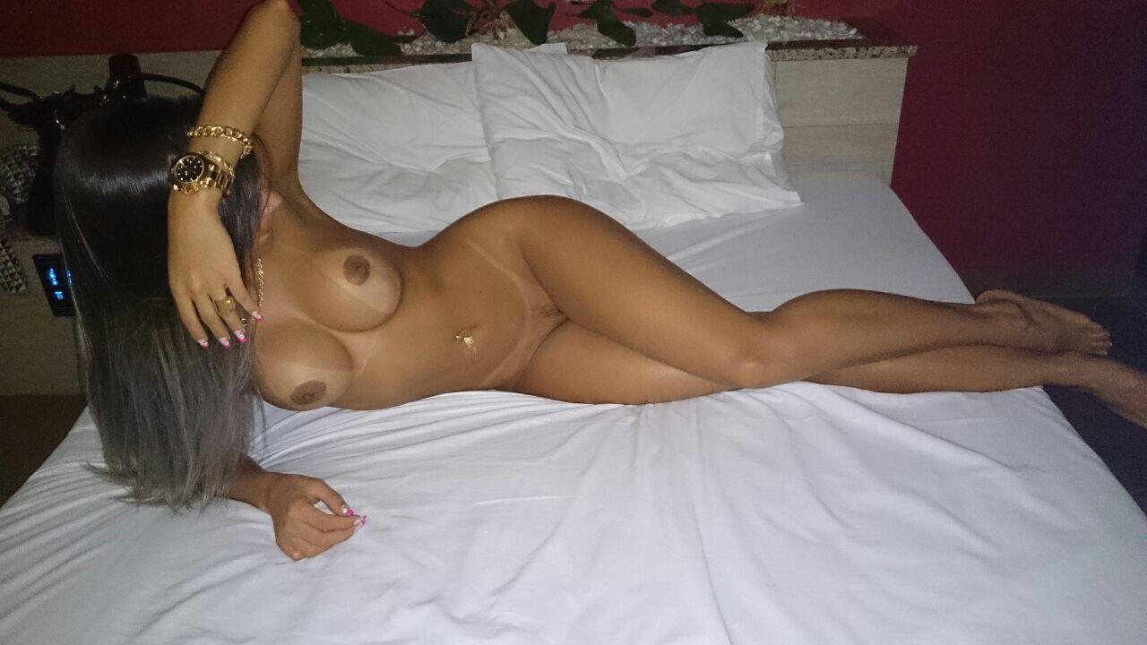 Fotos caseiras de mulher nua mostrando corpo perfeito